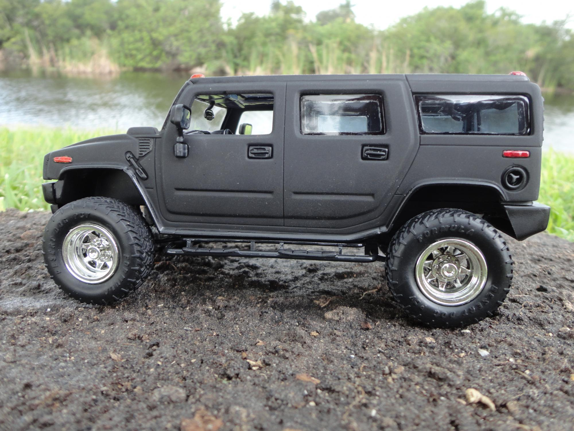 lifted hummer h2 2 under glass pickups vans suvs light commercial model cars magazine forum. Black Bedroom Furniture Sets. Home Design Ideas
