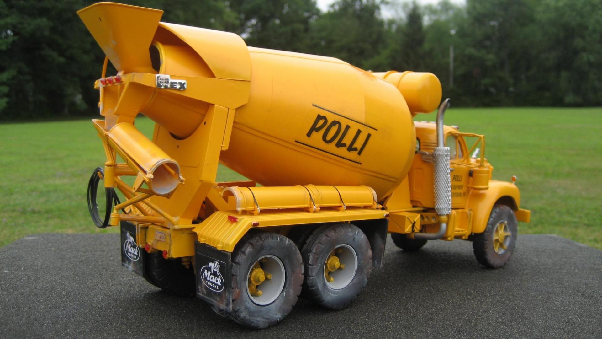 Polli Mixer 3.jpg