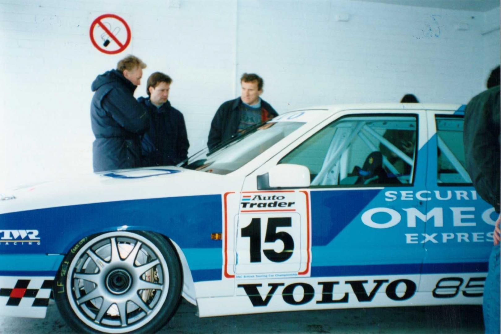 Works Volvo 850 with the late Tom Walkinshaw.jpg