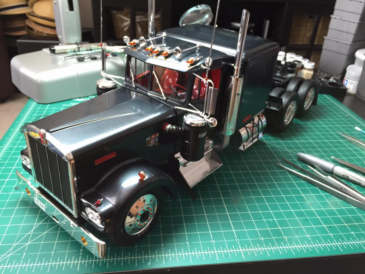 1 16 Kenworth W900 Lowered On The Workbench Big Rigs