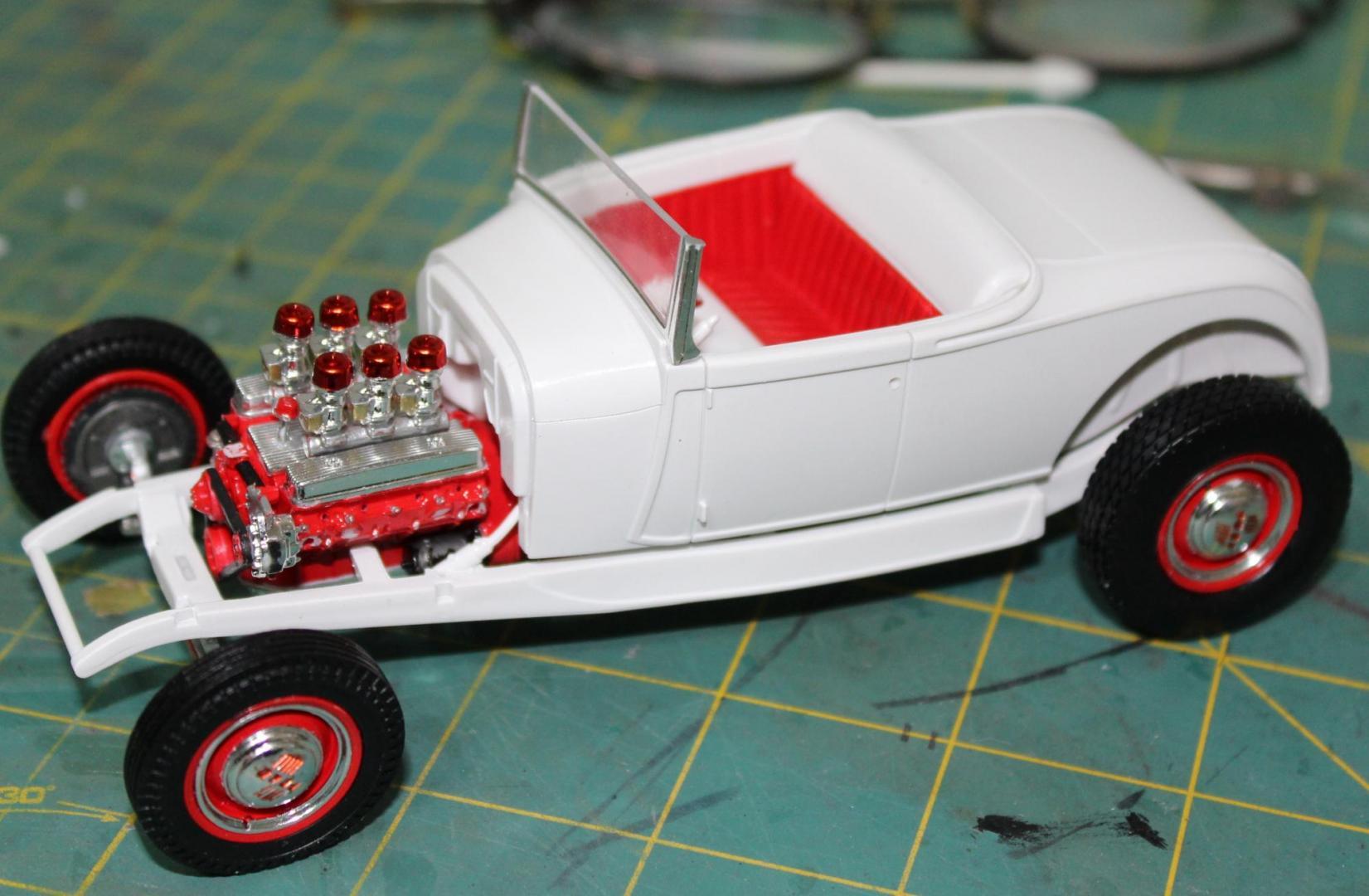 Revell 1929 Ford Model A Hi Boy 008.JPG