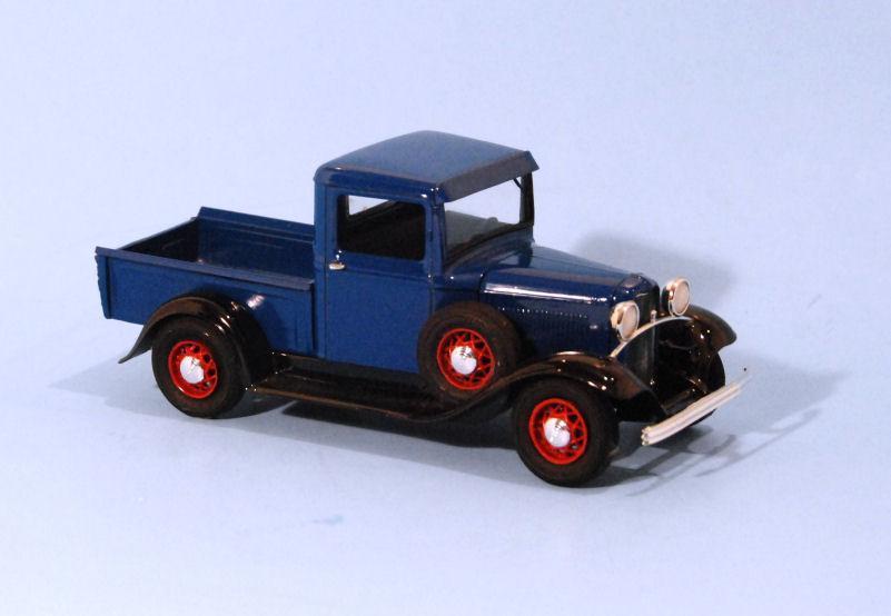 1932 Ford PU  4 cylinder Blue (1).JPG