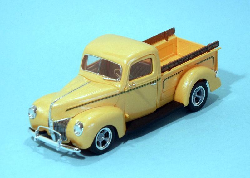 1940 Ford Pickup   yellow rod (3).JPG
