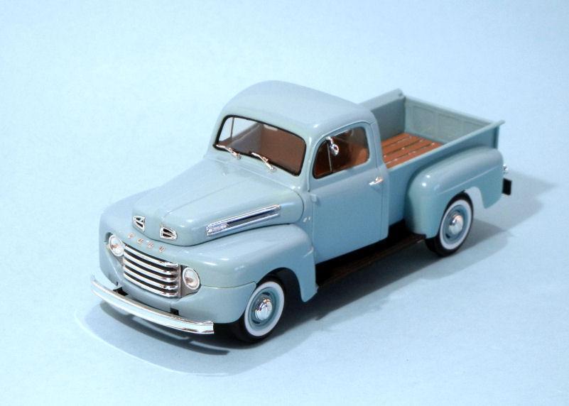 1950 Ford F1 Pickup  blue (3).JPG