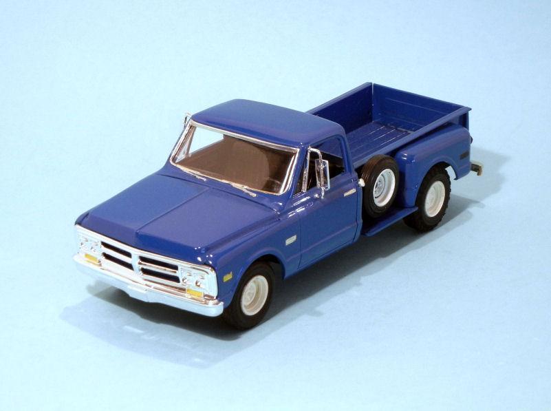 1970 GMC Stepside Long Bed  blue (3).JPG