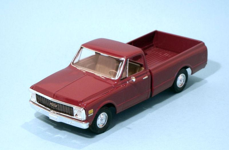 1972 Chevrolet C10  lo-line  red (3).JPG