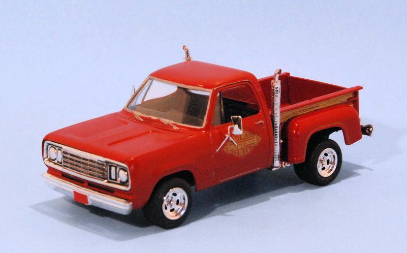 1978 Dodge D100 Lil Red Express (1).JPG