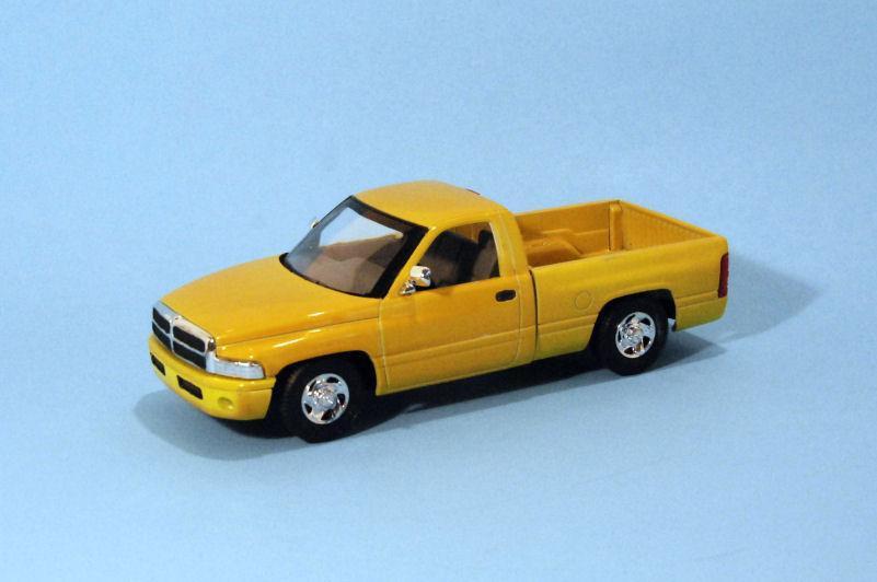 1994 Dodge Ram 1500 Short Box  yellow (3).JPG