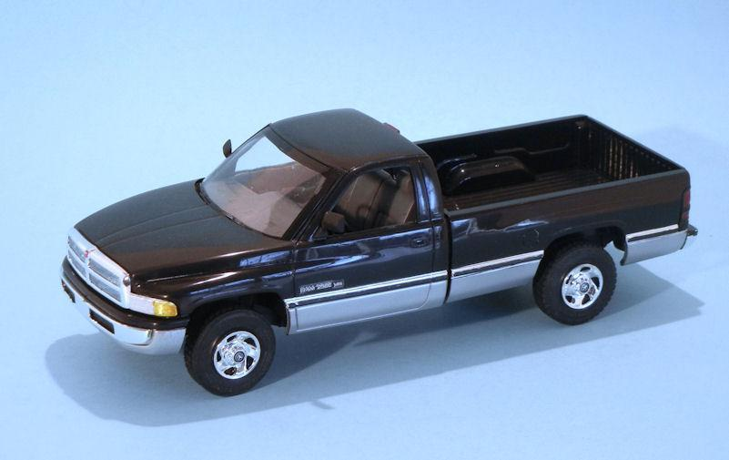 1994 Ram 2500 black (1).JPG