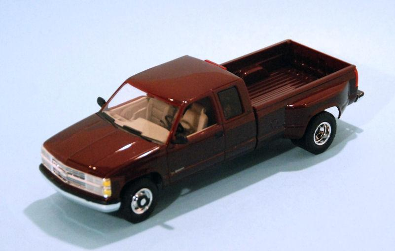 1996 Chevrolet C3500 PU Burgundy (2).JPG