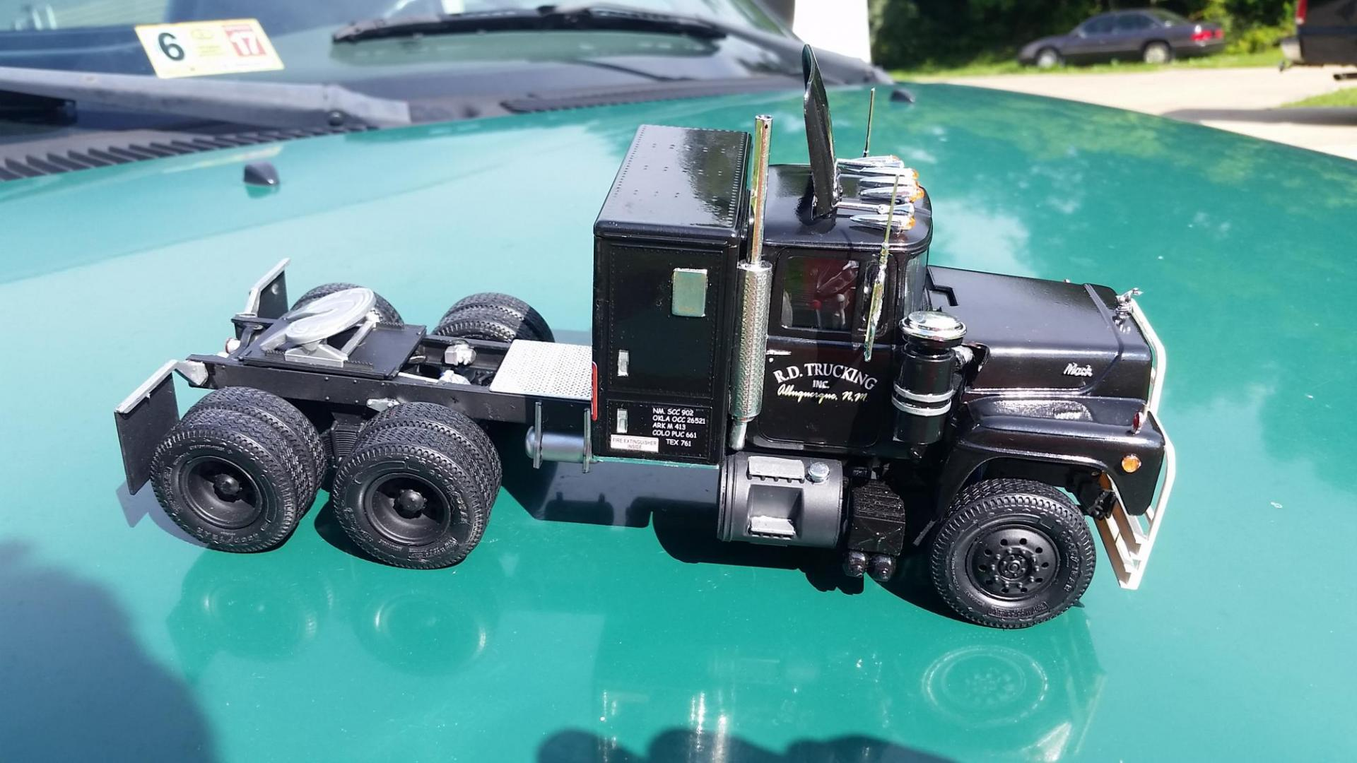 Convoy Rubber Duck Under Glass Big Rigs Model Cars