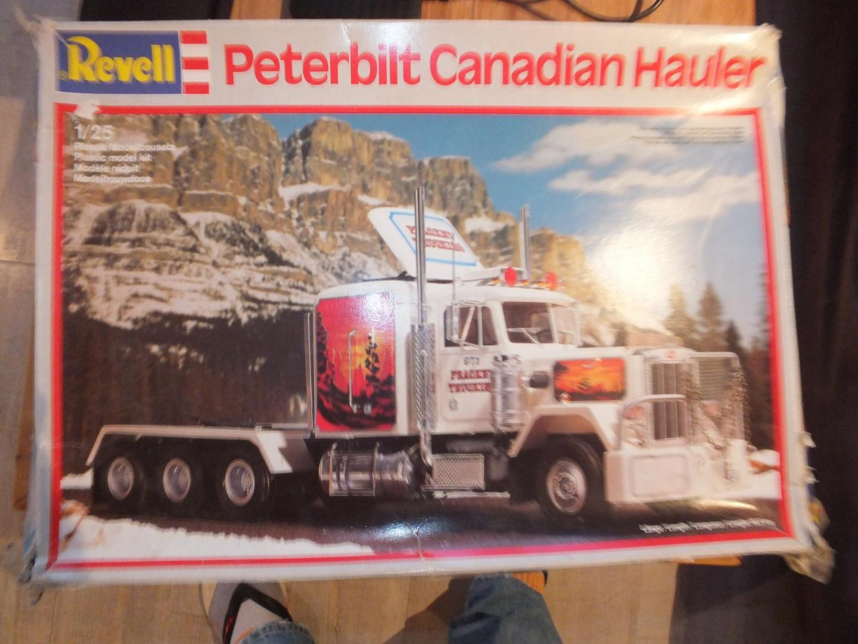 Peterbilt Canadian Hauler.JPG