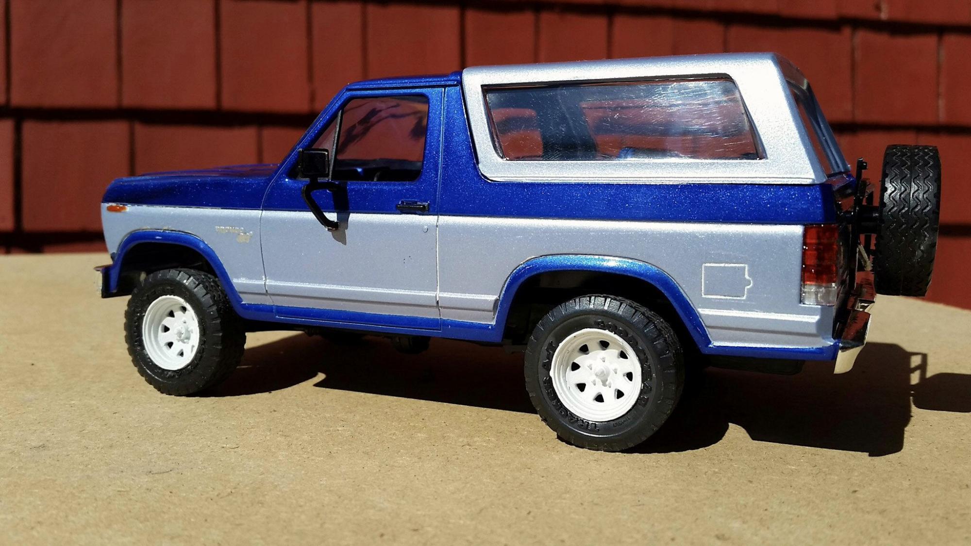 Monogram 1980 Ford Bronco Under Glass Pickups Vans Suvs Light Blue 2016 08 20 01 09 19