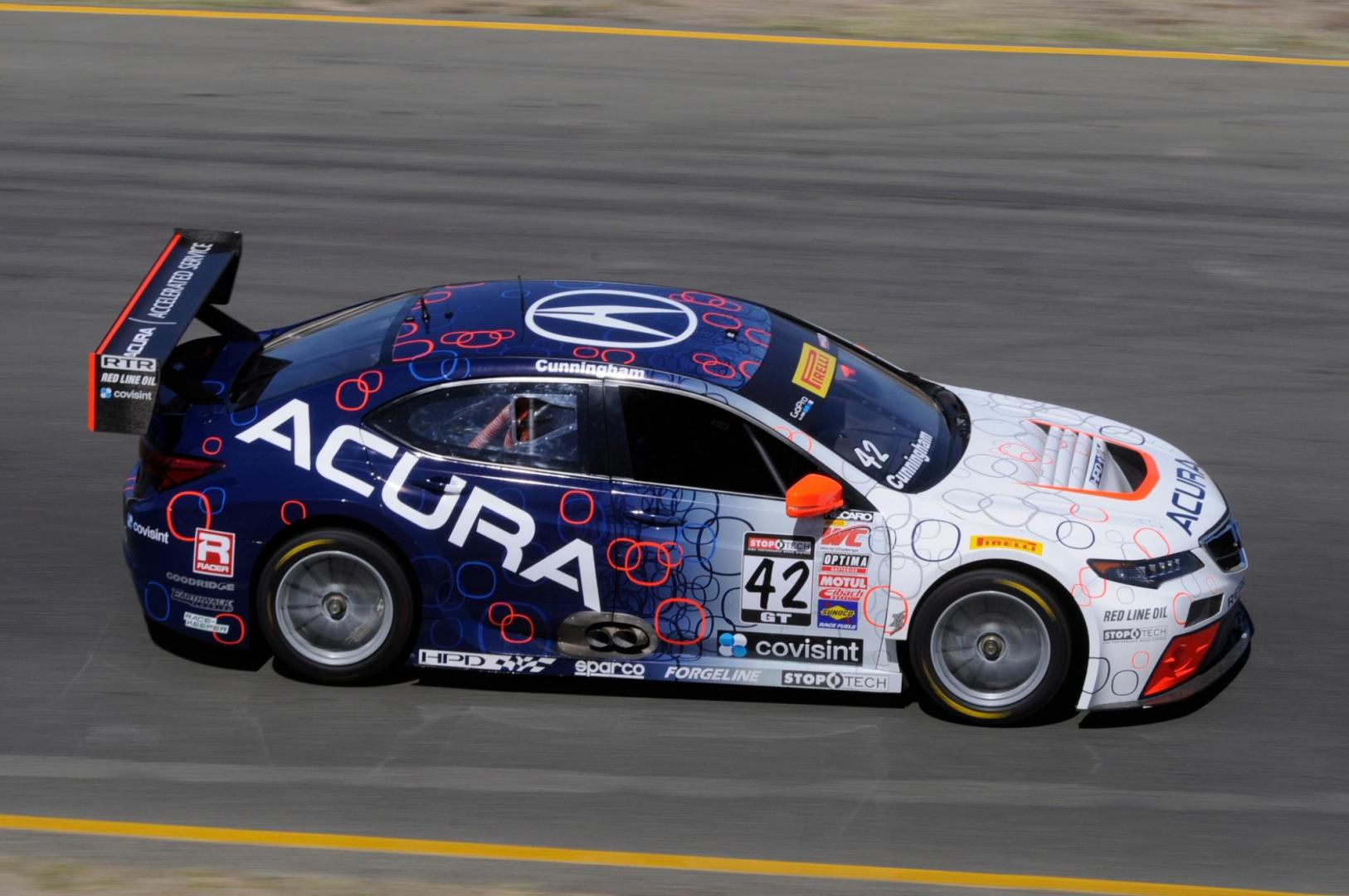 Acura-TLX-GT-race-car-on-track.jpg.jpeg