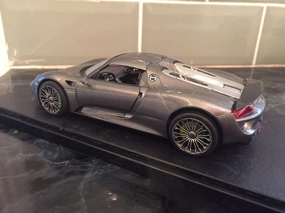 porsche 918 spyder revell under glass model cars. Black Bedroom Furniture Sets. Home Design Ideas