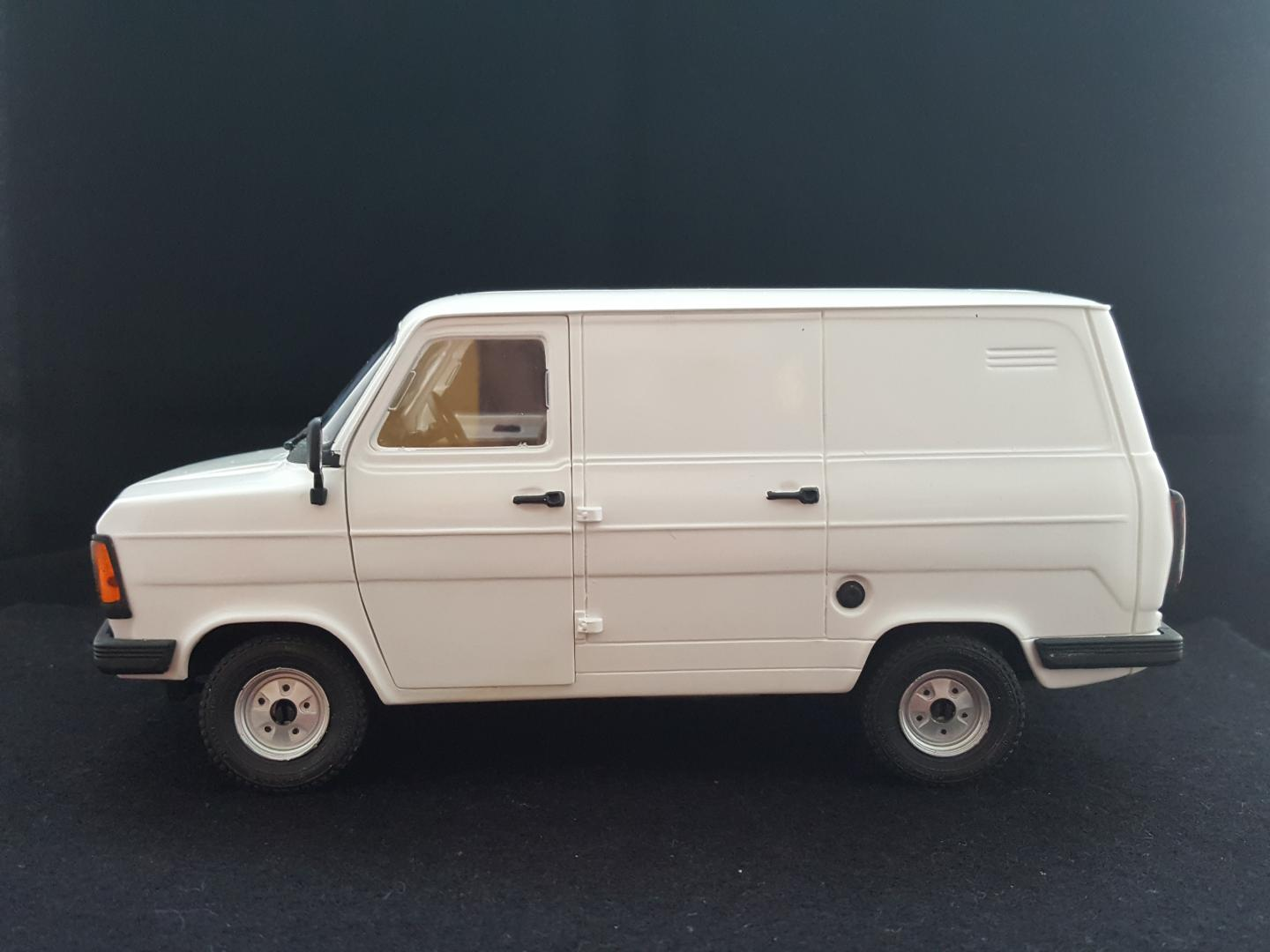 Ford Transit Van >> Italeri (Esci) Ford Transit mk2 van - Under Glass: Pickups, Vans, SUVs, Light Commercial - Model ...