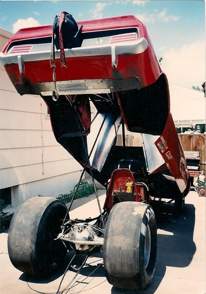 rear engine cuda funnycar_003.jpg