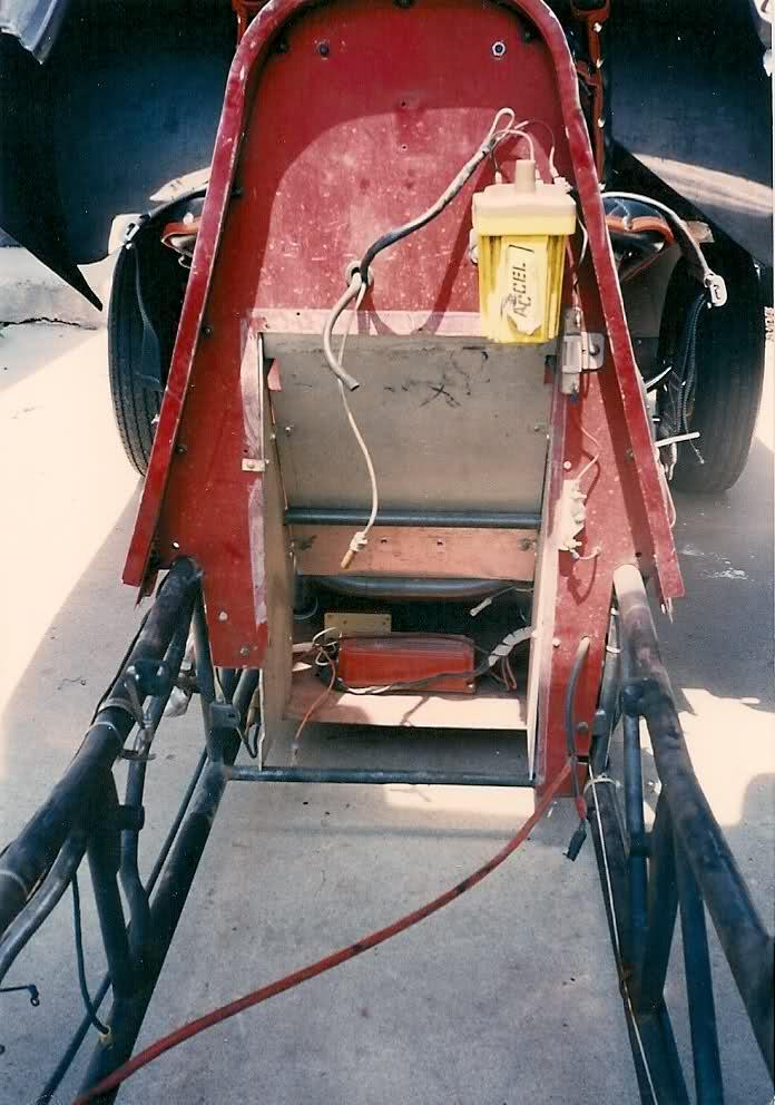 rear engine cuda funnycar_007.jpg