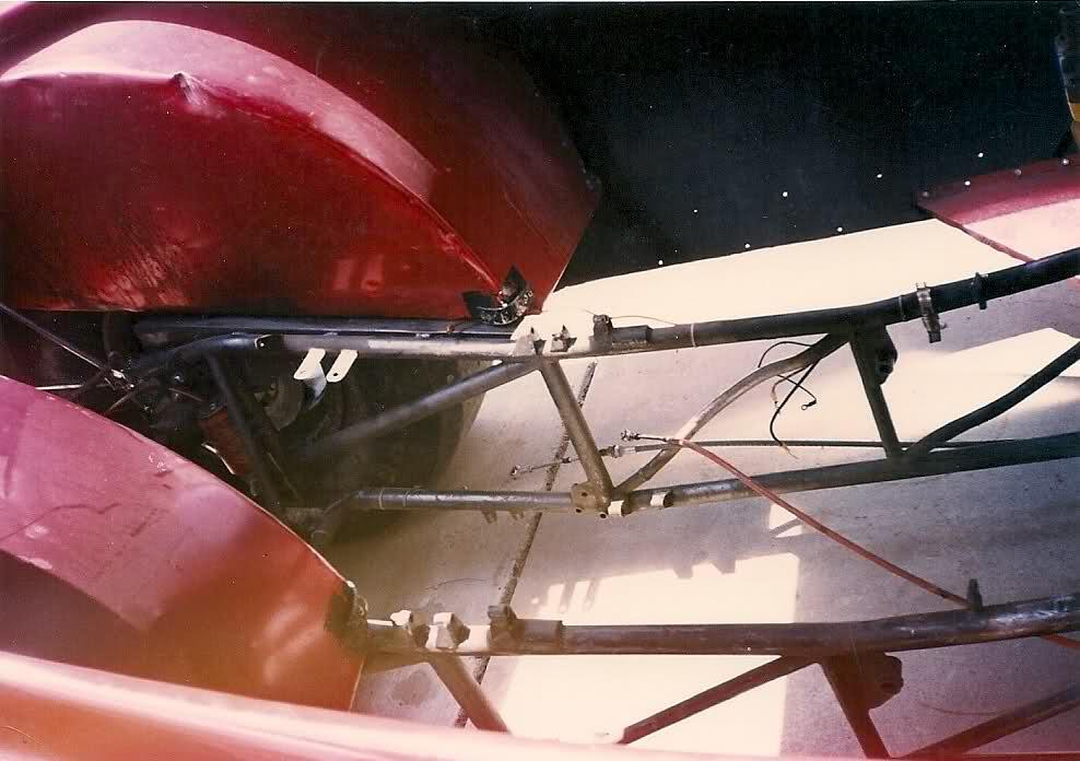 rear engine cuda funnycar_008.jpg