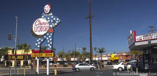 Circus_Liquor,_North_Hollywood,_California.JPG