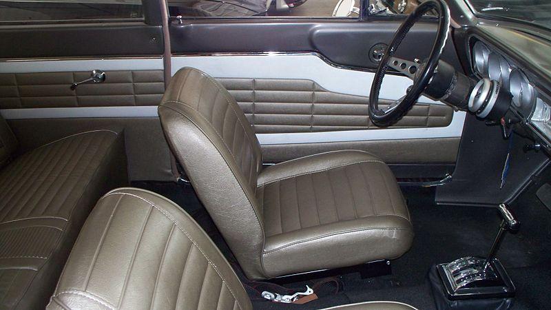 800px-1964_thunderbolt_interior.jpg
