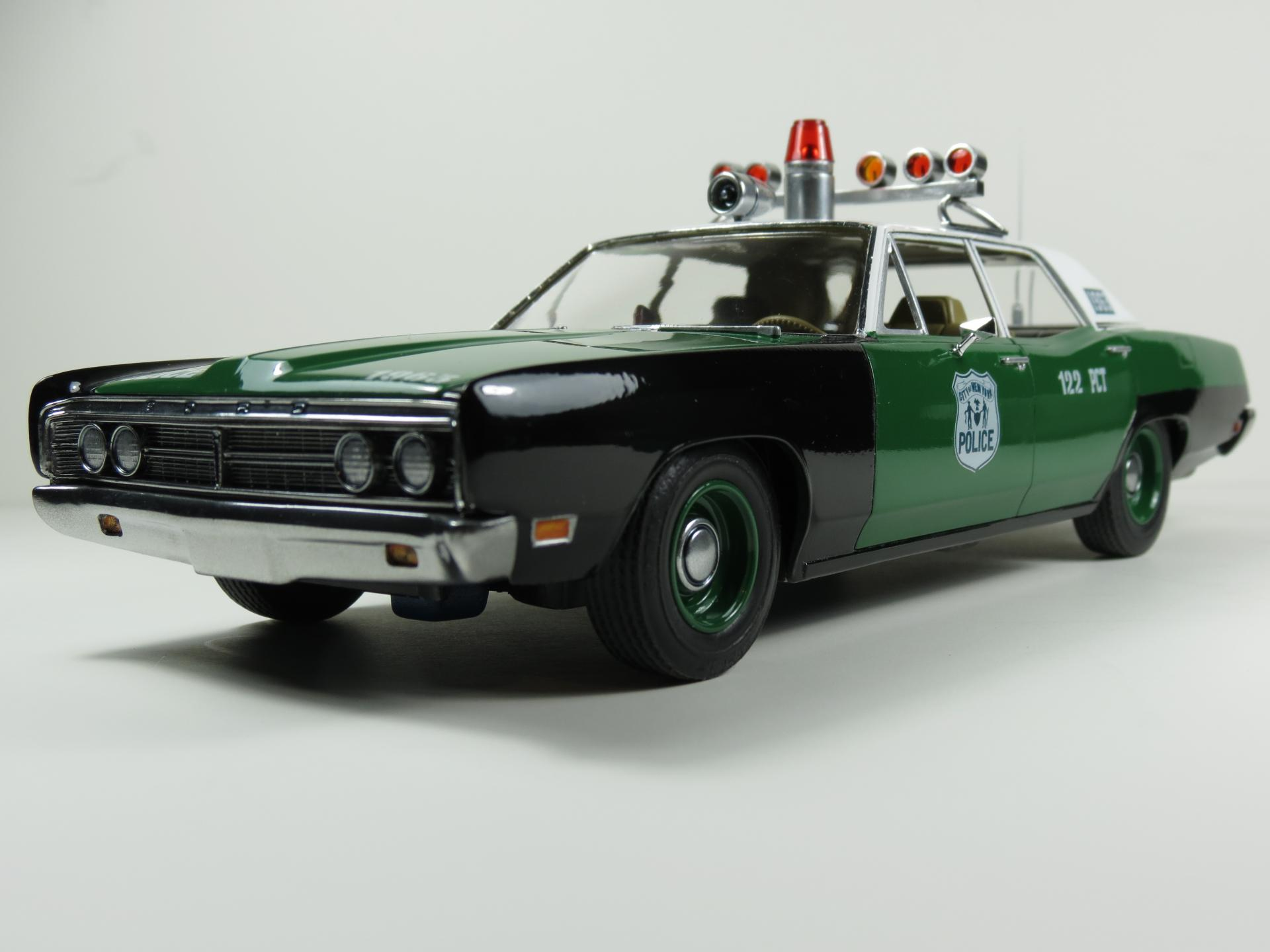 Amt 1970 Ford Interceptor New York Police Under Glass