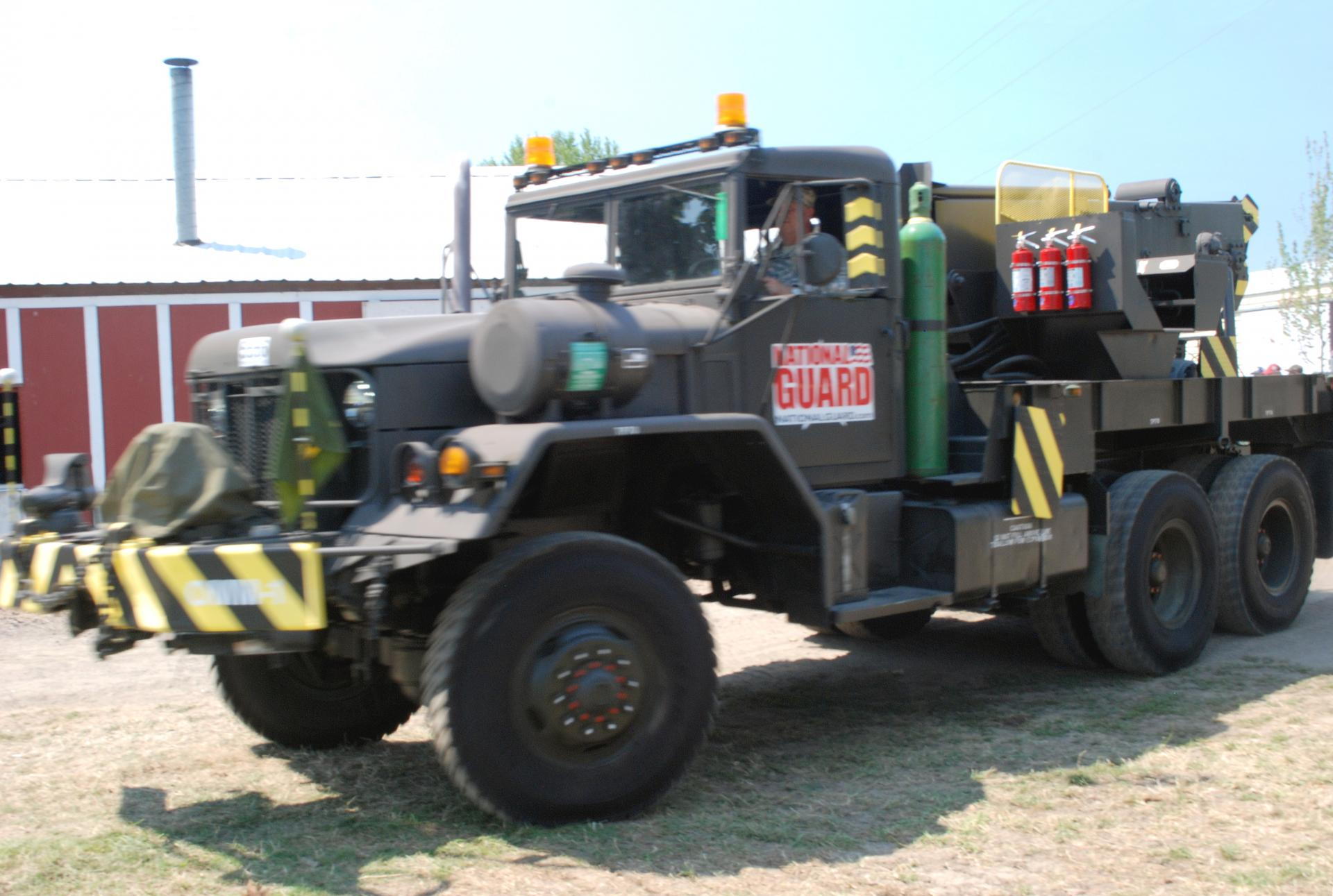 M-816 Truck, Wrecker, Medium, 5-Ton, 6x6 1969 AM General boom ft lf (2).JPG
