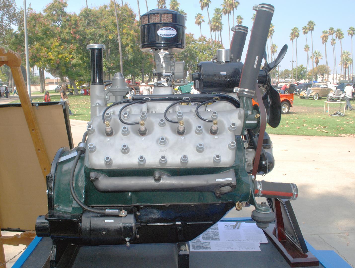Ford 1934 engine side rt.JPG