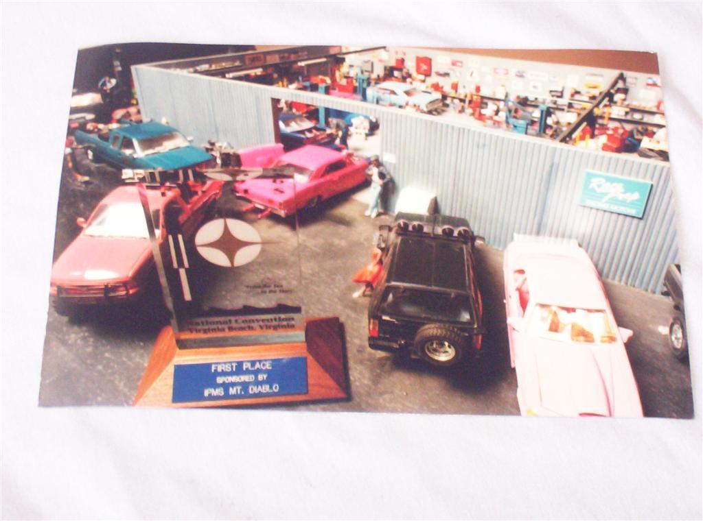 36897913_o.jpg my garage diorama.jpg
