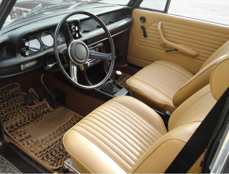 BMW 2002 Tii Interior [02] Good Looking