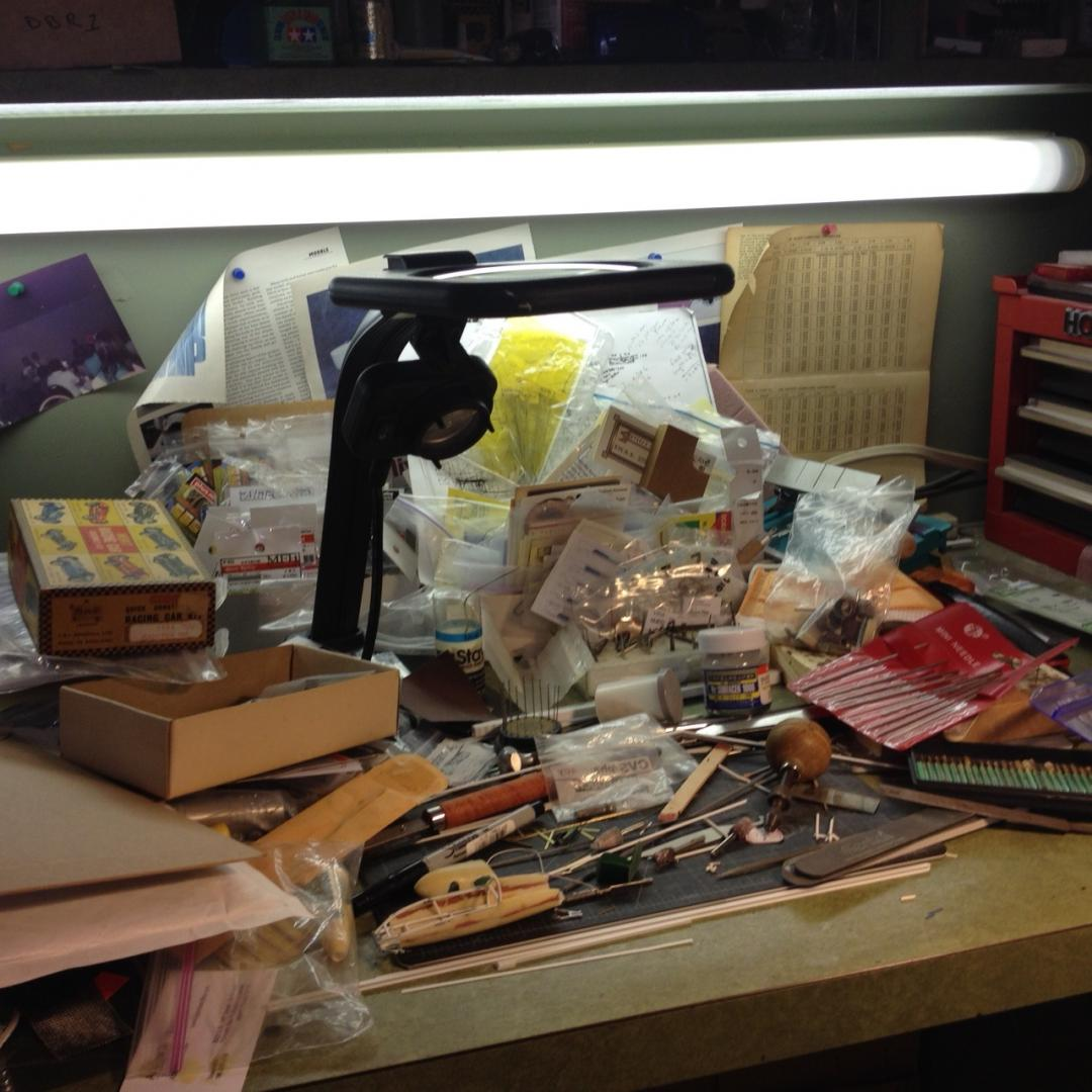 Always critical to keep your workbench clean and well organized !!.jpg
