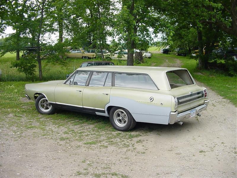 1968_coronet_wagon.jpg