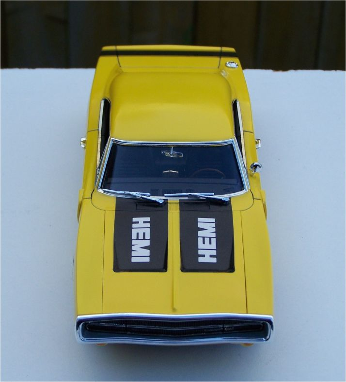 What Does Rt Stand For Dodge >> Revell 1970 Dodge Charger R/T 426 Hemi - Top Banana - Build #1 - Under Glass - Model Cars ...