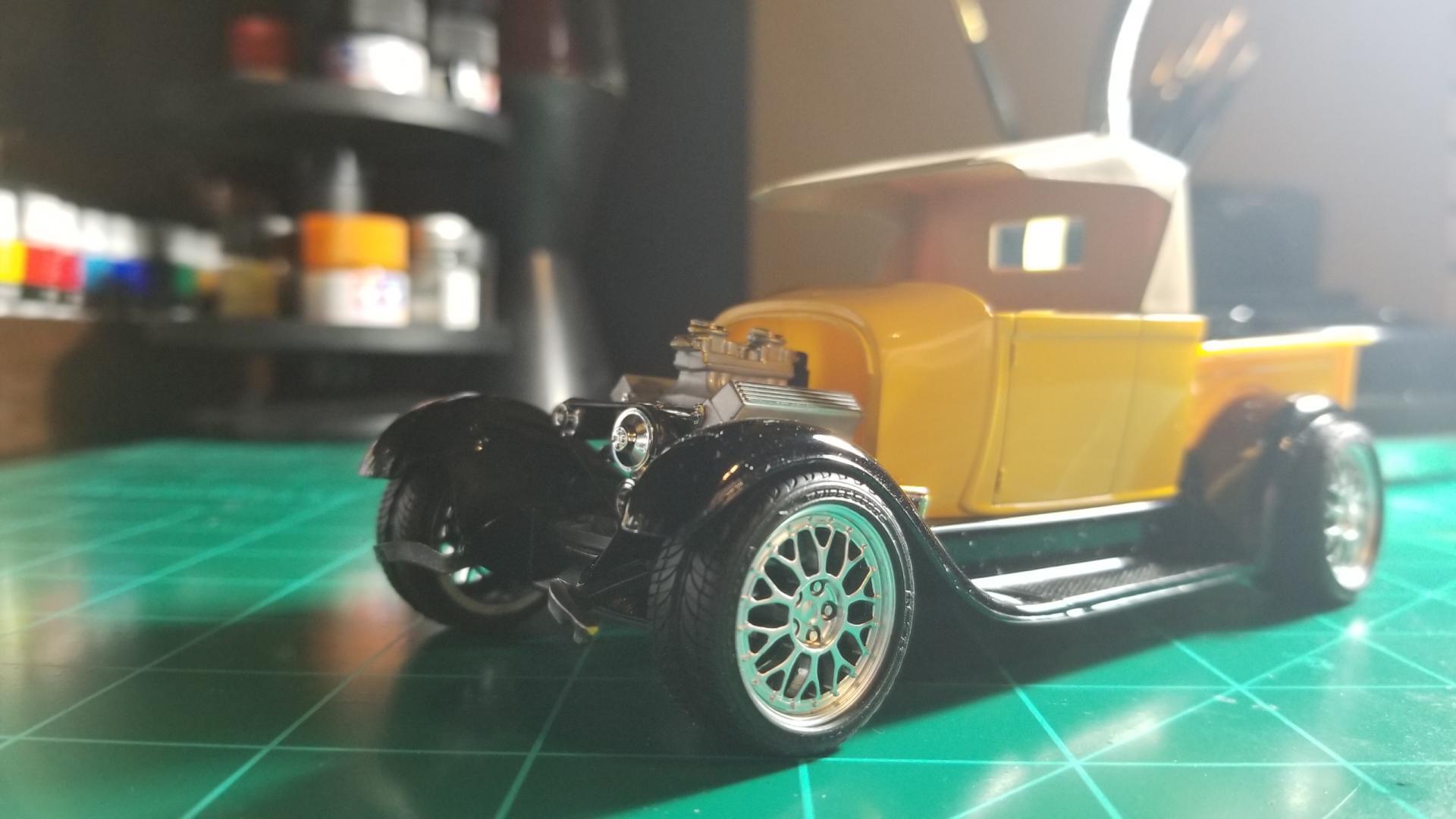 yellow truck11.jpg