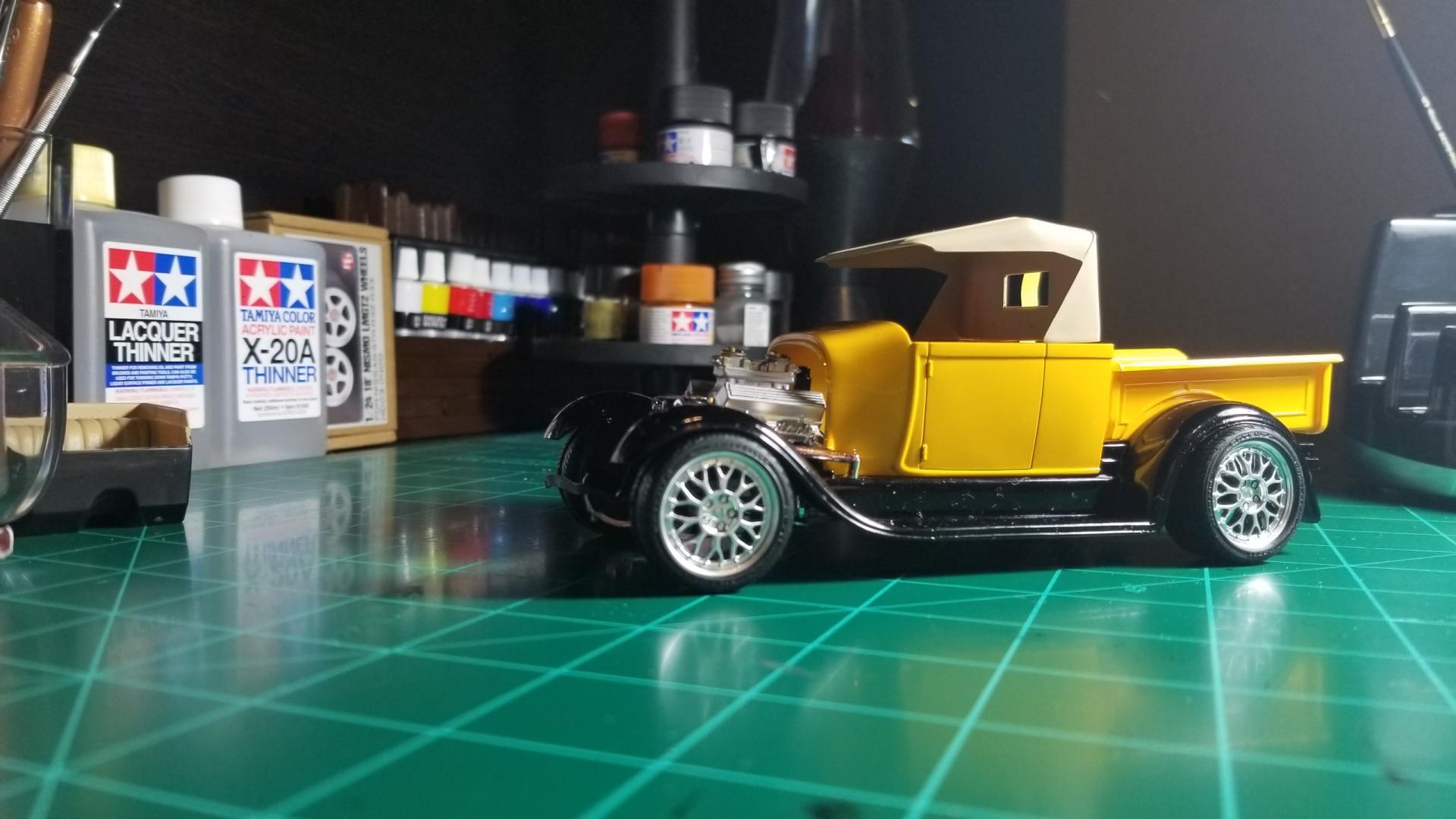 yellow truck9.jpg