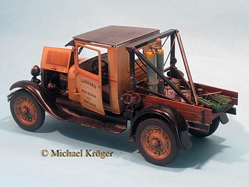 29 Ford Tow Truck 31.jpg