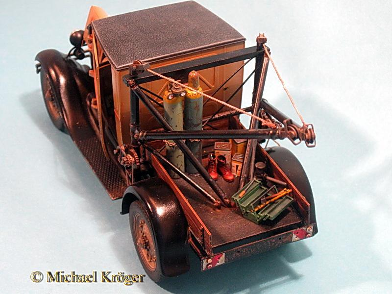 29 Ford Tow Truck 33.jpg