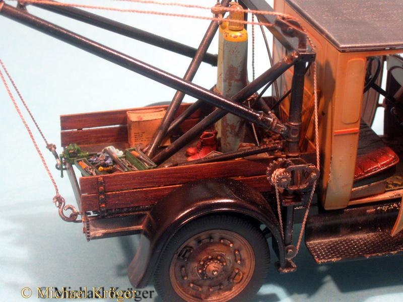 29 Ford Tow Truck 35.jpg