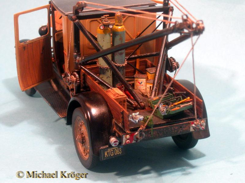 29 Ford Tow Truck 38.jpg