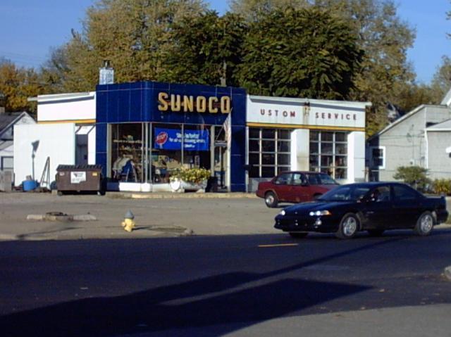 5a0f972a5198a_Eds_Sunoco_station.thumb.j