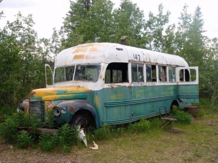 mccandless_bus.jpg