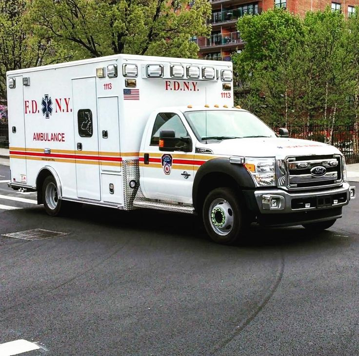 60911ff64a274757bfcd8ee0d7cc4a15--ambulance-brand-new.jpg.d182785c7ec717cf8f19e669aa178227.jpg