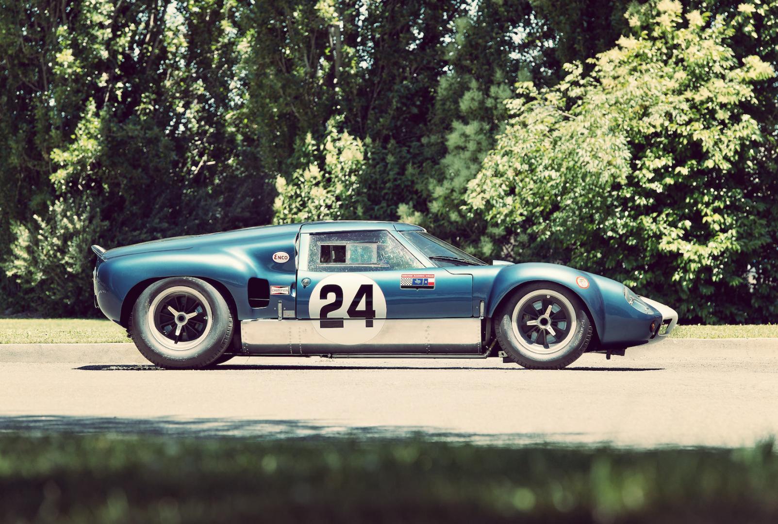 Lola_MK6_GT_Car_4.jpg