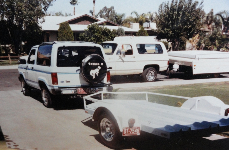 1984 Bronco II & trailer.jpg