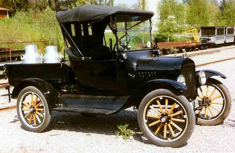 1922_Ford_Model_T_Pickup_2.jpg