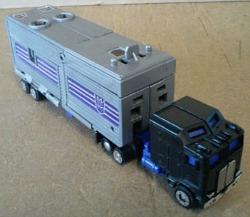 Transformers Motomaster G1.JPG.opt250x217o0,0s250x217.JPG