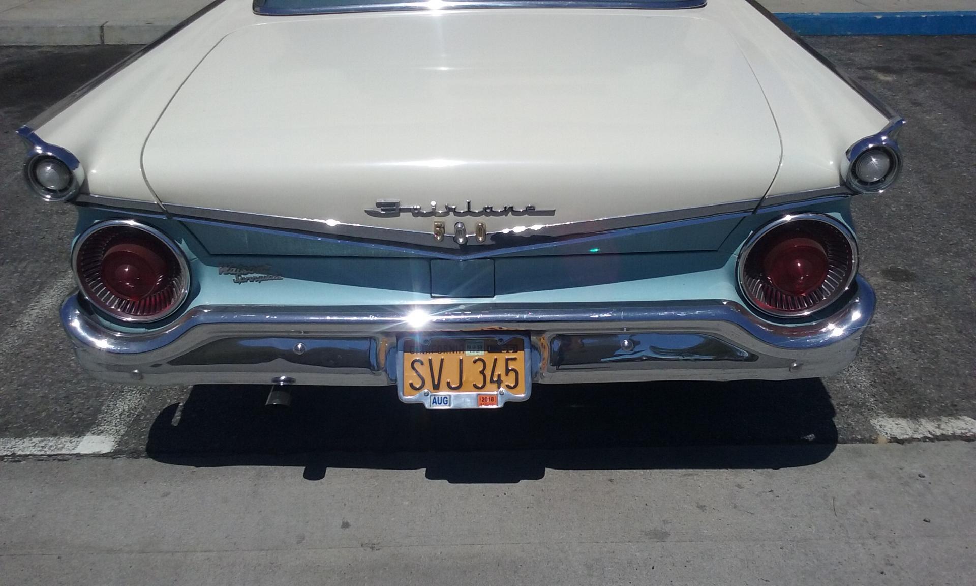 1959+Fairlane+500+002.jpg