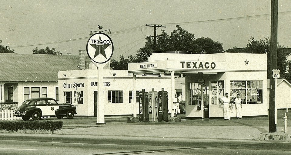 Texaco - US 60 somewhere in California  pre fab metal.jpg