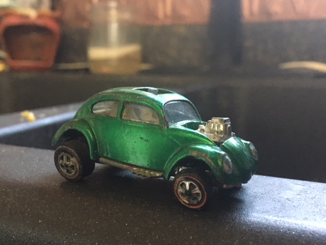 Hot Wheels VW green bug.JPG