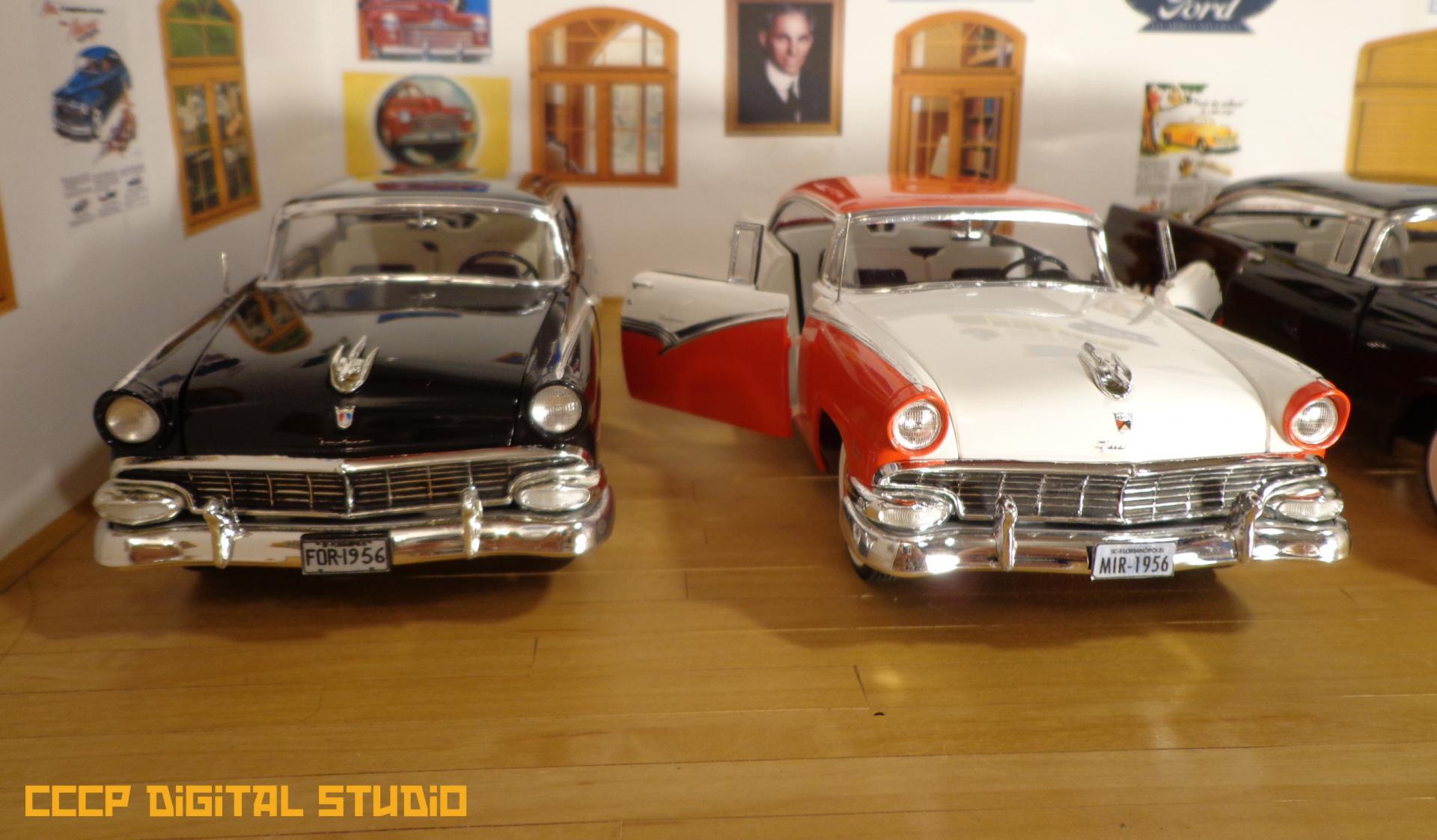 1956 Ford Stravaganza 018 copy.jpg